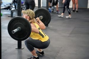 CFI_Gym_1lady-dead-lift